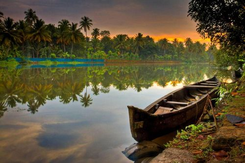 Kerala(arvholidays.wordpress.com)