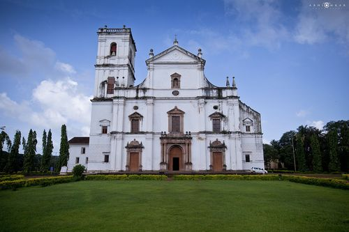 1280px-Se'_Cathedral,_Goa