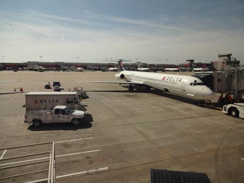 Aircraft-494145_640