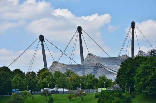 Olympic-stadium-2612119_640