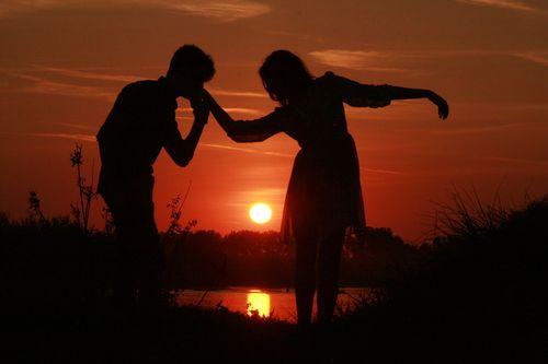 Couple-915986_1280